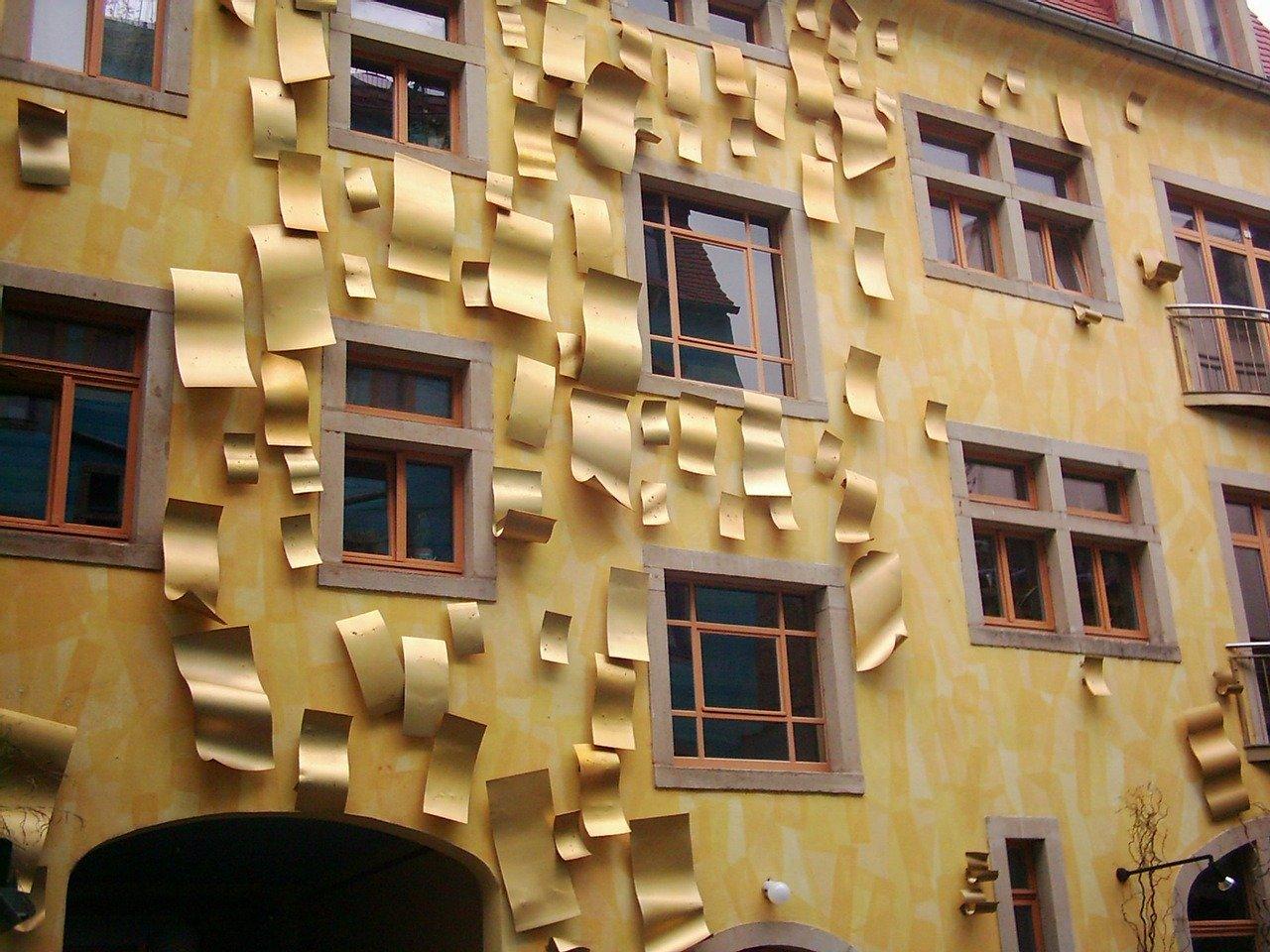 MyDailyGermen.com courtyard of light